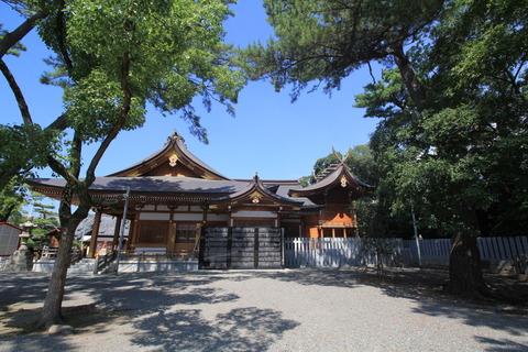 岸城神社の本殿
