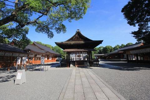 城南宮の拝殿