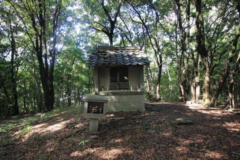 丸笠神社の祠2