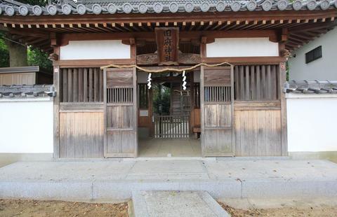 旧府神社の拝殿