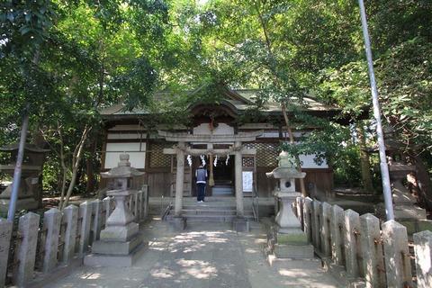 曽彌神社の拝殿