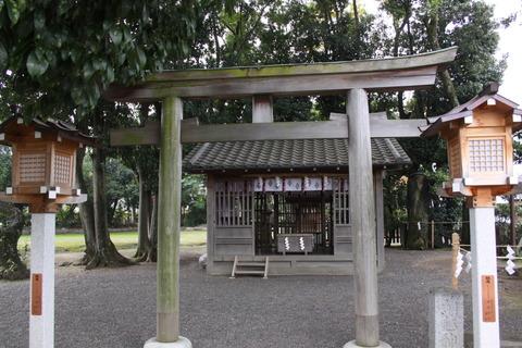 綱越神社1