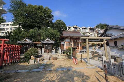 塩屋若宮神社の境内全容
