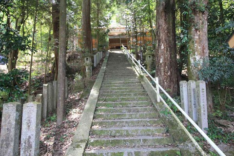 須智荒木神社の拝殿