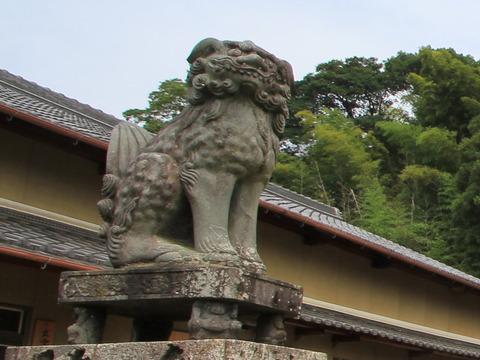 狛犬と力士
