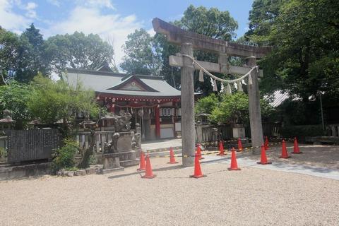 機物神社の拝殿