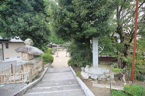 小畑神社の社頭
