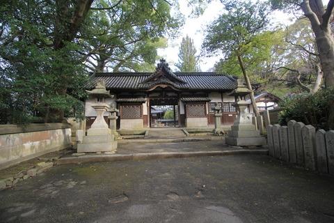 伊居太神社の神門
