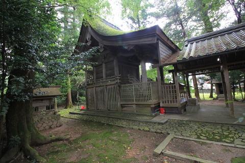 小畑神社の本殿2