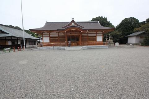 聖神社の拝殿