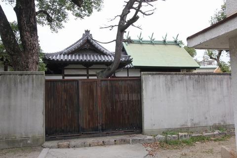 泉井上神社の本殿