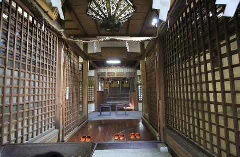 曽彌神社の拝殿2