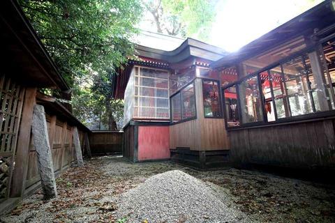 植木神社の本殿
