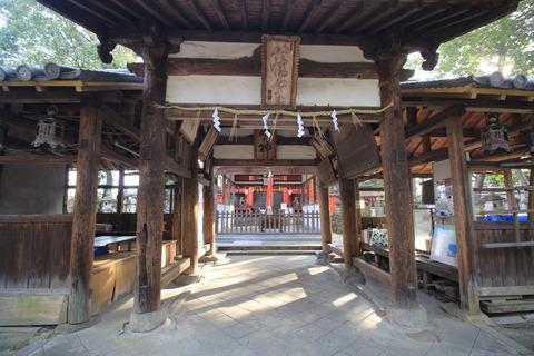 元岩清水八幡の拝殿