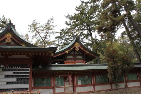 長田神社の拝殿と本殿