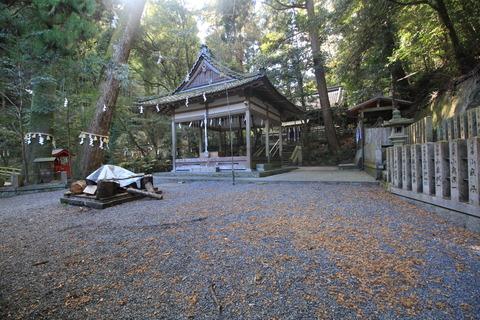 小倉神社の舞殿