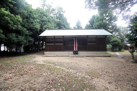 殖栗神社の拝殿