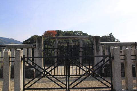 祟神天皇陵2