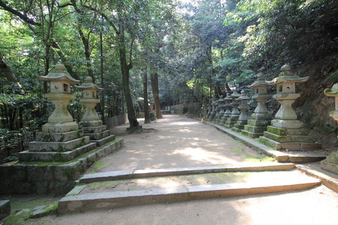 等彌神社3灯籠
