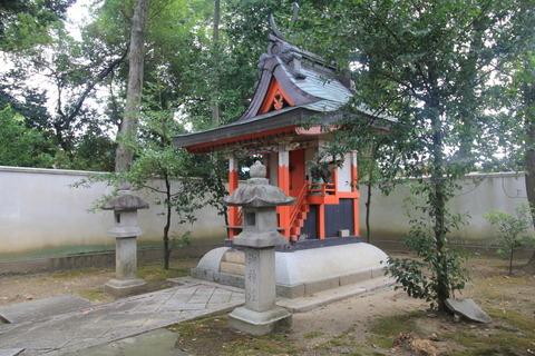 戒重春日神社の本殿