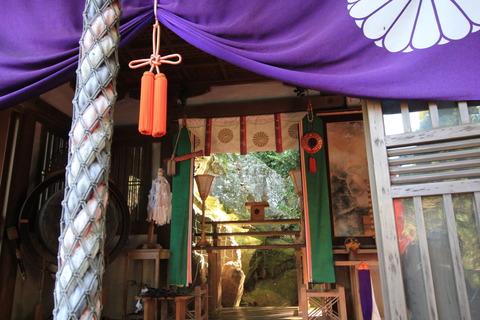 岩戸神社3拝殿2
