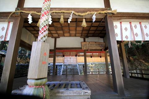 葛木御歳神社拝殿2