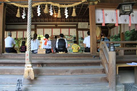 廣瀬大社の拝殿2