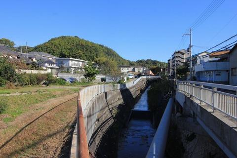 鯛取山と塩屋谷川