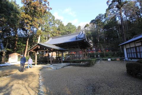 登弥神社の拝殿