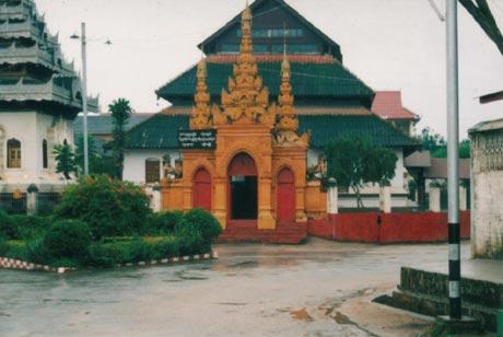シャン僧院
