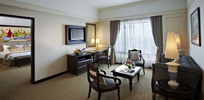 Sule-Shangri-La-Yangon-Rooms-and-Suites-Executive-Suite
