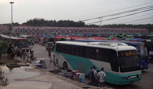Hiway Bus-b