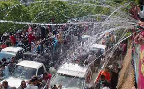 water-festival-in-mandalay