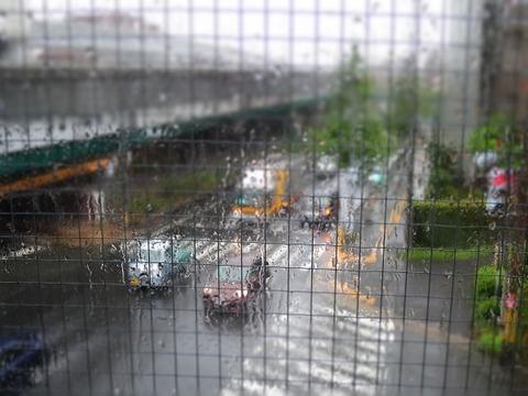 台風で荒天の豊中