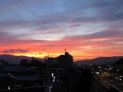 刀根山中環ビルからの夕景 (2)