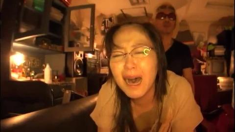 真面目なメガネOLの剃髪フェチ動画 (4)