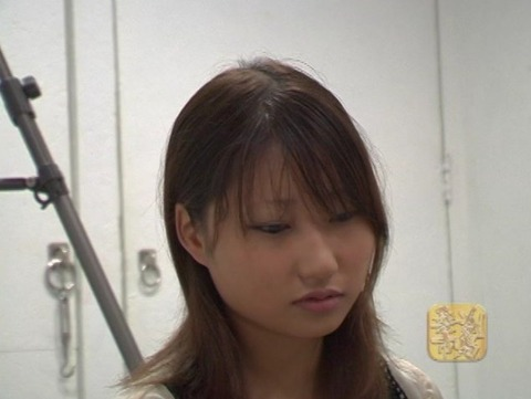 女子大生の剃髪 (2)