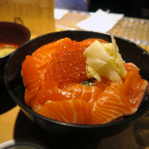 サーモンイクラ丼2