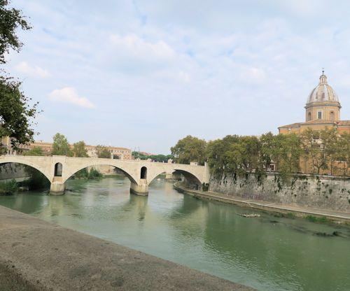 荘厳のサンピエトロ大聖堂