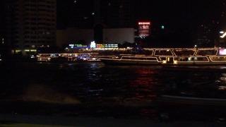 夜のチャオプラヤー川4004