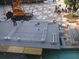 水上ステージの設置作業1