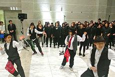 クリスマスツリー点灯式 ダンスパフォーマンス科 日本工学院