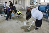 マテリアル演習床の清掃