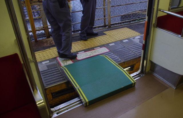 えぬななひゃくえーの鉄道blog   東武浅草駅の改良工事&2番線ドアカットを見る コメントトラックバック