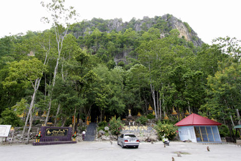 タム・ナーム寺院