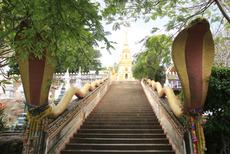 シラーングー寺院 階段