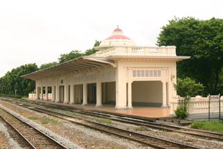 チッドラダー宮殿駅