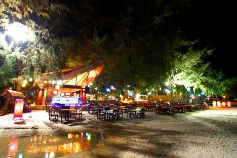 サメット島 バンガロー レストラン