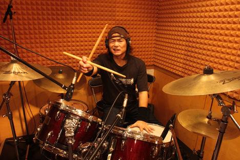 ドラム録音中