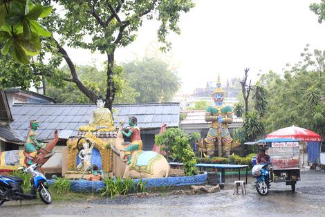 プラ・ヤーイ寺院